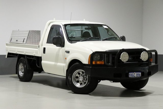 Used Ford F250 RM XL, 2001 Ford F250 RM XL White 5 Speed Manual Cab Chassis