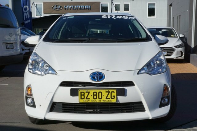 Used Toyota Prius c NHP10R E-CVT, 2014 Toyota Prius c NHP10R E-CVT White 1 Speed Constant Variable Hatchback