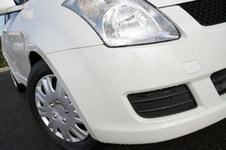 2010 Suzuki Swift RS415 GLX White Pearl 4 Speed Automatic Hatchback.