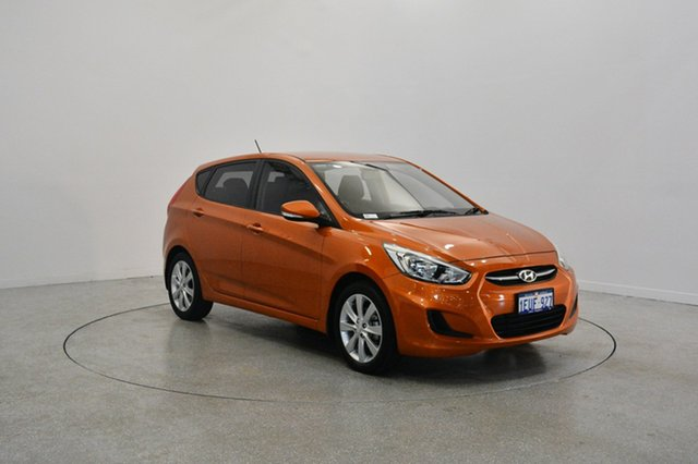 Used Hyundai Accent RB2 MY15 Active, 2015 Hyundai Accent RB2 MY15 Active Vitamin C 6 Speed Manual Hatchback