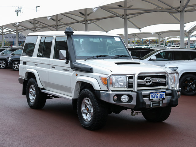 Used Toyota Landcruiser VDJ76R MY12 Update GXL (4x4), 2013 Toyota Landcruiser VDJ76R MY12 Update GXL (4x4) White 5 Speed Manual Wagon