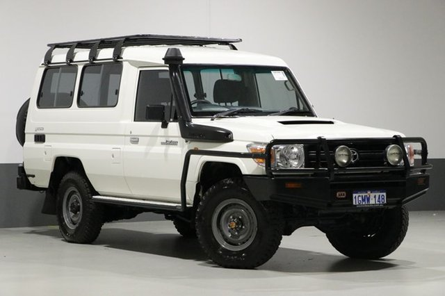 Used Toyota Landcruiser VDJ78R 09 Upgrade Workmate (4x4) 11 Seat, 2012 Toyota Landcruiser VDJ78R 09 Upgrade Workmate (4x4) 11 Seat White 5 Speed Manual TroopCarrier