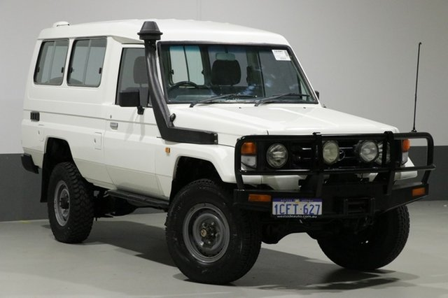 Used Toyota Landcruiser HZJ78R (4x4) 3 Seat, 2006 Toyota Landcruiser HZJ78R (4x4) 3 Seat White 5 Speed Manual 4x4 TroopCarrier