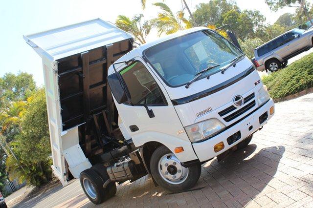 Used Hino Dutro  300, 2010 Hino Dutro 614 300 White Cab Chassis RWD