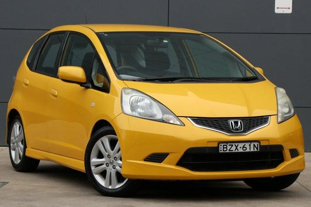 Used Honda Jazz GE MY11 VTi-S, 2010 Honda Jazz GE MY11 VTi-S Yellow 5 Speed Manual Hatchback