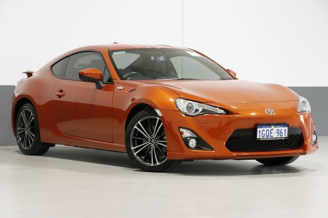 Used Toyota 86 ZN6 MY14 Upgrade GTS, 2014 Toyota 86 ZN6 MY14 Upgrade GTS Orange 6 Speed Auto Sequential Coupe