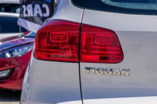 2012 Volkswagen Tiguan 5N MY13 118TSI 2WD White 6 Speed Manual Wagon