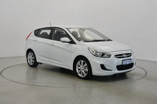 Used Hyundai Accent RB5 MY17 Sport, 2017 Hyundai Accent RB5 MY17 Sport Chalk White 6 Speed Sports Automatic Hatchback