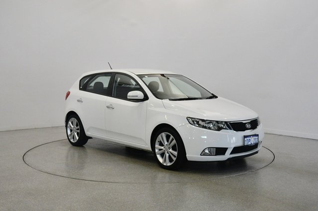Used Kia Cerato TD MY11 SLi, 2011 Kia Cerato TD MY11 SLi White 6 Speed Sports Automatic Hatchback