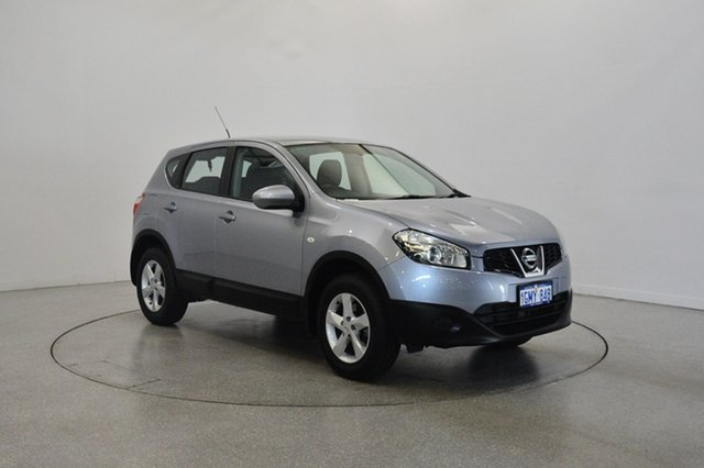 Used Nissan Dualis J10W Series 3 MY12 ST Hatch X-tronic 2WD, 2013 Nissan Dualis J10W Series 3 MY12 ST Hatch X-tronic 2WD Silver 6 Speed Constant Variable