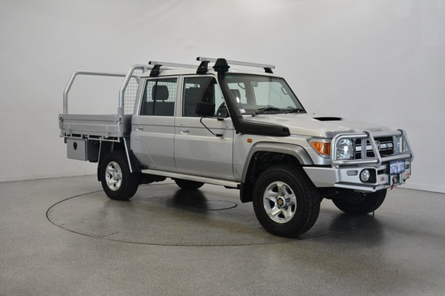 Used Toyota Landcruiser VDJ79R GXL Double Cab, 2016 Toyota Landcruiser VDJ79R GXL Double Cab Silver 5 Speed Manual Cab Chassis