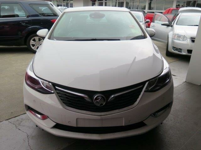 Demo Holden Astra BL MY18 LT, 2018 Holden Astra BL MY18 LT Summit White 6 Speed Sports Automatic Sedan