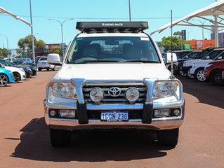 2009 Toyota Landcruiser VDJ200R Sahara (4x4) White 6 Speed Automatic Wagon.