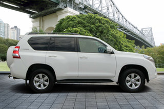 2014 Toyota Landcruiser Prado KDJ150R MY14 GXL White 6 Speed Manual Wagon.