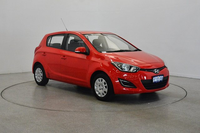 Used Hyundai i20 PB MY14 Active, 2013 Hyundai i20 PB MY14 Active Electric Red 6 Speed Manual Hatchback