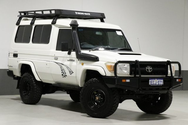 Used Toyota Landcruiser VDJ78R 09 Upgrade Workmate (4x4) 11 Seat, 2010 Toyota Landcruiser VDJ78R 09 Upgrade Workmate (4x4) 11 Seat White 5 Speed Manual TroopCarrier