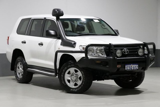 Used Toyota Landcruiser VDJ200R MY13 GX (4x4), 2015 Toyota Landcruiser VDJ200R MY13 GX (4x4) White 6 Speed Automatic Wagon