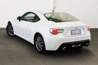 2013 Toyota 86 ZN6 GT Satin White Pearl 6 Speed Sports Automatic Coupe.