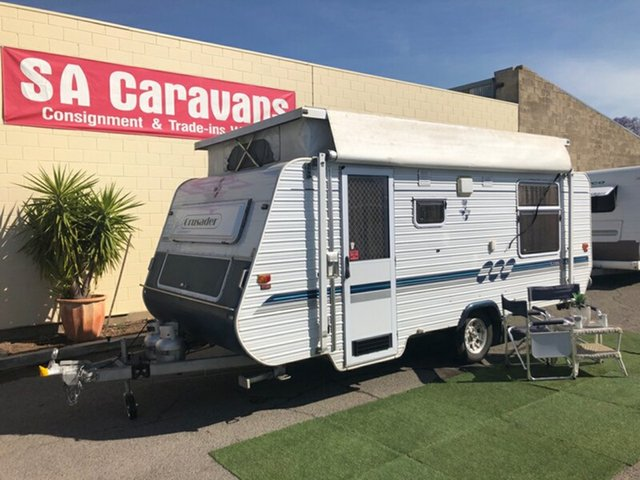 Used Crusader   , 2006 Crusader XL17 with AIR COND. and ANNEX Pop Top