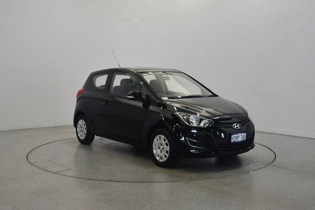 Used Hyundai i20 PB MY13 Active, 2012 Hyundai i20 PB MY13 Active Black 6 Speed Manual Hatchback