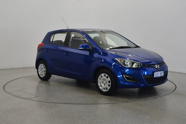 Used Hyundai i20 PB MY14 Active, 2013 Hyundai i20 PB MY14 Active Blue Onyx 6 Speed Manual Hatchback
