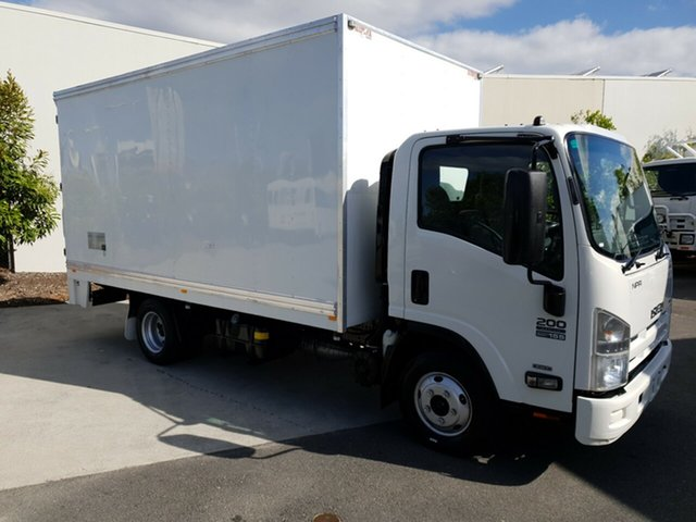 Used Isuzu NPR200 NH , 2013 Isuzu NPR200 NH MEDIUM White Pantech RWD