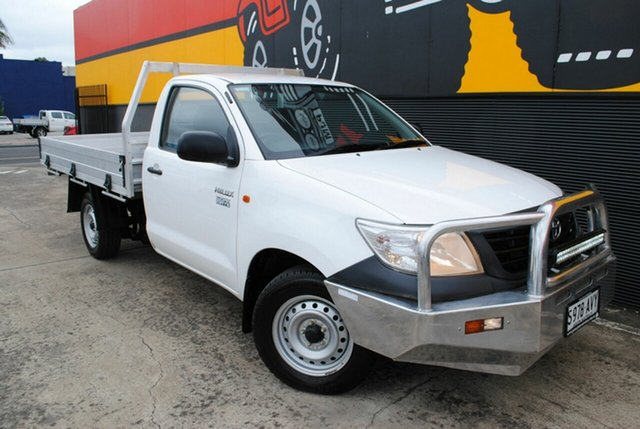 Used Toyota Hilux TGN16R MY12 Workmate 4x2, 2013 Toyota Hilux TGN16R MY12 Workmate 4x2 Super White 5 Speed Manual Cab Chassis