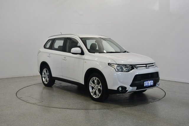 Used Mitsubishi Outlander ZJ MY14.5 ES 2WD, 2014 Mitsubishi Outlander ZJ MY14.5 ES 2WD Starlight 6 Speed Constant Variable Wagon