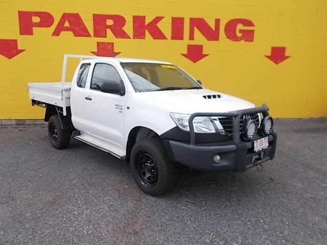 Used Toyota Hilux KUN26R MY14 SR Xtra Cab, 2014 Toyota Hilux KUN26R MY14 SR Xtra Cab White 5 Speed Manual Cab Chassis