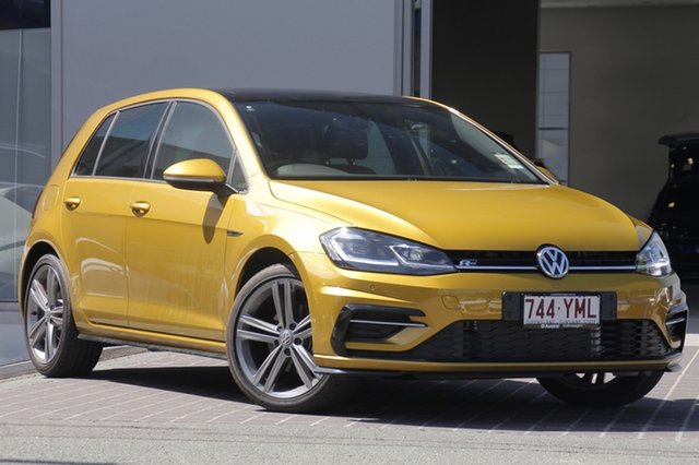 Demo Volkswagen Golf 7.5 MY18 110TDI DSG Highline, 2018 Volkswagen Golf 7.5 MY18 110TDI DSG Highline Turmeric Yellow 7 Speed