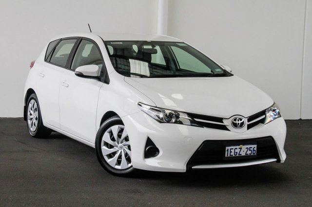 Used Toyota Corolla ZRE182R Ascent S-CVT, 2013 Toyota Corolla ZRE182R Ascent S-CVT Glacier White 7 Speed Constant Variable Hatchback