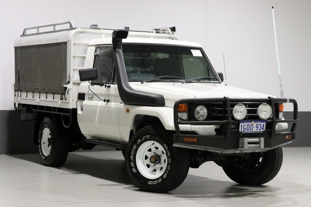 Used Toyota Landcruiser HZJ79R (4x4), 2004 Toyota Landcruiser HZJ79R (4x4) White 5 Speed Manual 4x4 Cab Chassis
