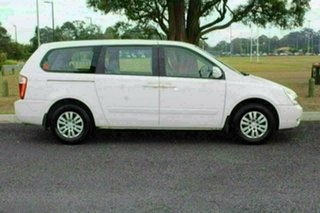 2012 Kia Grand Carnival VQ MY13 S White 6 Speed Automatic Wagon.