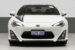 2016 Toyota 86 ZN6 MY15 GTS Blackline White 6 Speed Manual Coupe.