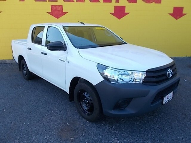 Used Toyota Hilux GUN122R Workmate Double Cab 4x2, 2017 Toyota Hilux GUN122R Workmate Double Cab 4x2 White 5 Speed Manual Utility