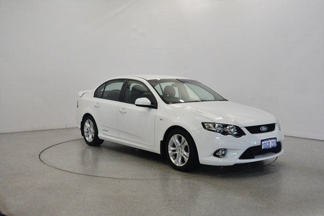 Used Ford Falcon FG XR6, 2009 Ford Falcon FG XR6 Winter White 5 Speed Sports Automatic Sedan