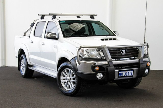 Used Toyota Hilux KUN26R MY14 SR5 Double Cab, 2014 Toyota Hilux KUN26R MY14 SR5 Double Cab Glacier White 5 Speed Automatic Utility