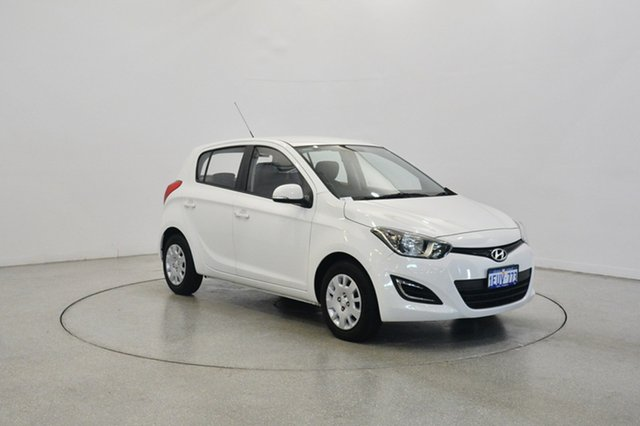 Used Hyundai i20 PB MY15 Active, 2015 Hyundai i20 PB MY15 Active PSW : Polar White 6 Speed Manual Hatchback