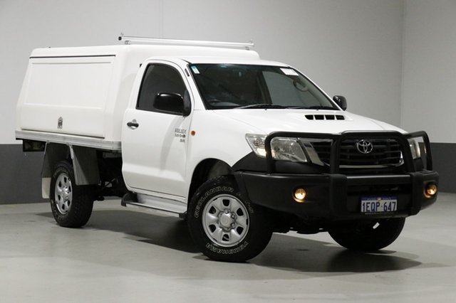 Used Toyota Hilux KUN26R MY12 SR (4x4), 2012 Toyota Hilux KUN26R MY12 SR (4x4) White 5 Speed Manual Cab Chassis