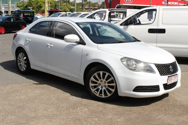 Used Suzuki Kizashi FR MY11 Touring, 2012 Suzuki Kizashi FR MY11 Touring White 6 Speed Manual Sedan
