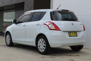 2011 Suzuki Swift GL GL White Manual Hatchback