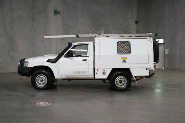 Used Nissan Patrol GU 6 Series II ST, 2012 Nissan Patrol GU 6 Series II ST White 5 Speed Manual Cab Chassis