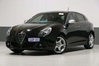 2013 Alfa Romeo Giulietta Quad Verde Black 6 Speed Manual Hatchback.
