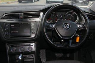 2017 Volkswagen Tiguan 5N MY17 110TSI DSG 2WD Trendline Black 6 Speed Sports Automatic Dual Clutch