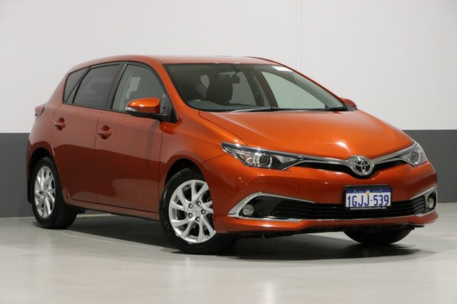 Used Toyota Corolla ZRE182R MY15 Ascent Sport, 2017 Toyota Corolla ZRE182R MY15 Ascent Sport Orange 7 Speed CVT Auto Sequential Hatchback
