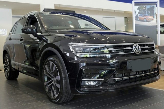 New Volkswagen Tiguan 5N MY19 162TSI DSG 4MOTION Highline, 2018 Volkswagen Tiguan 5N MY19 162TSI DSG 4MOTION Highline Deep Black Pearl Effect 7 Speed