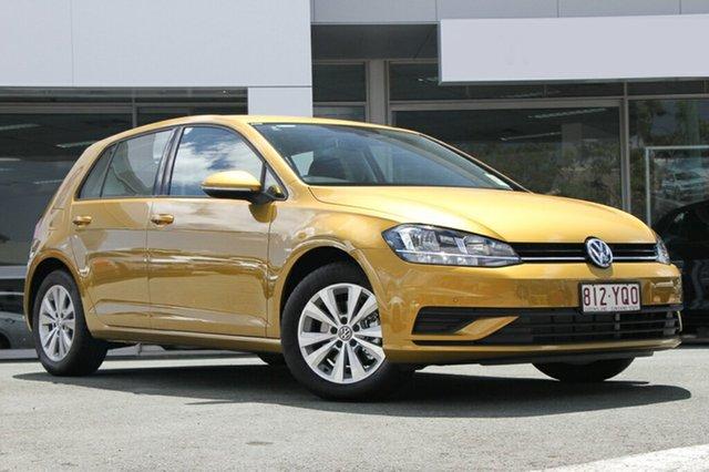 Demo Volkswagen Golf 7.5 MY19 110TSI Trendline, 2018 Volkswagen Golf 7.5 MY19 110TSI Trendline Turmeric Yellow 6 Speed Manual Hatchback