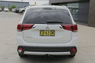 2016 Mitsubishi Outlander LS LS White Manual Wagon