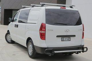 2009 Hyundai iLOAD White Manual Van.