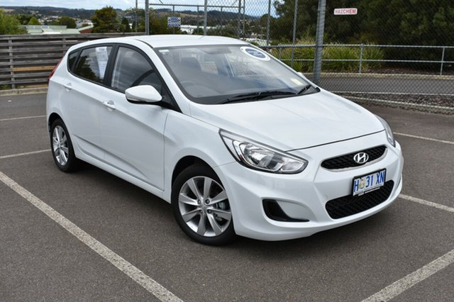 Demo Hyundai Accent RB6 MY18 Sport, 2018 Hyundai Accent RB6 MY18 Sport Chalk White 6 Speed Sports Automatic Hatchback